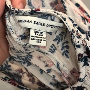 American Eagle Outfitters Tops - American eagle floral flowy tank top